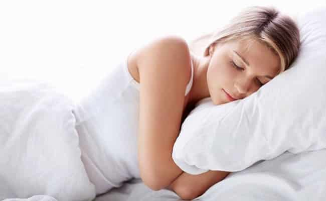 Ngủ đủ giấc, sinh hoạt điều độ giúp tăng cân hiệu quả